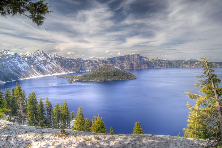 What Should You Do At Crater Lake in Winter?